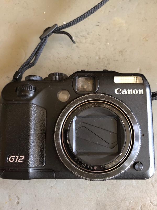 2010年発売のデジカメcanon G12